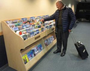 airport-brochure-rack
