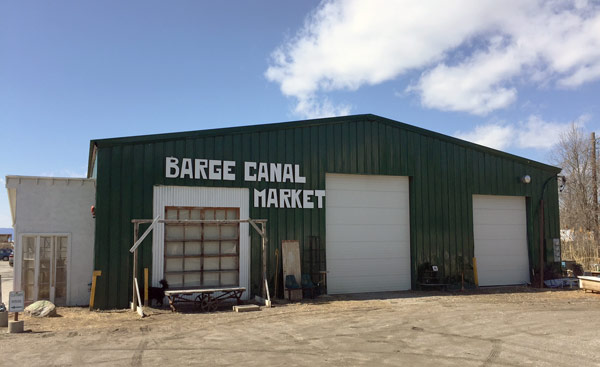 burlington-barge-canal-market
